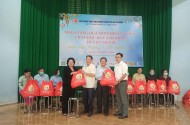Hội Lương thực Thực phẩm TP. HCM tặng quà Tết cho nạn nhân chất độc Da cam/Dioxin