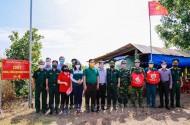 Thăm, tặng quà cán bộ, chiến sĩ đang thực hiện nhiệm vụ phòng, chống dịch Covid-19 trên biên giới Tây Ninh